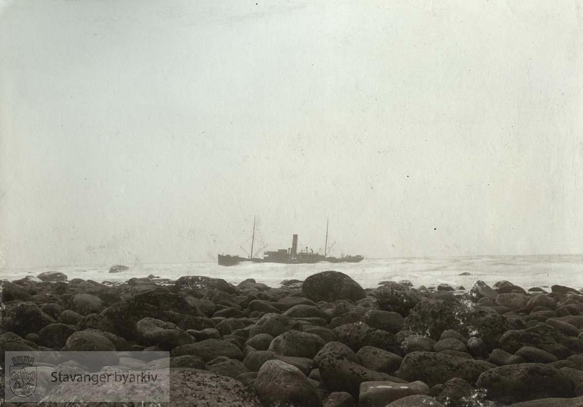 """""""Landkjending af Haars Strand. Aftrukket 8. juni 1907...Assureret for: 300 000.Bjergeløn: 80 000.Taxt: 200 000.Reperationens kostende: 100 000"""