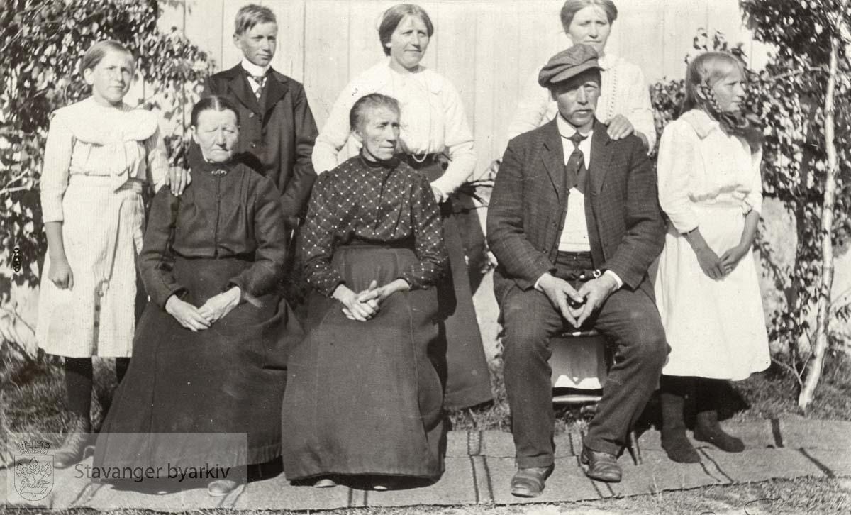 Ole Bjørenestab med familie