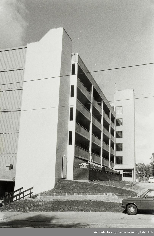 Grefsen. Ensliges Landsforbunds blokk i Grefsenveien. 1970 - 1979