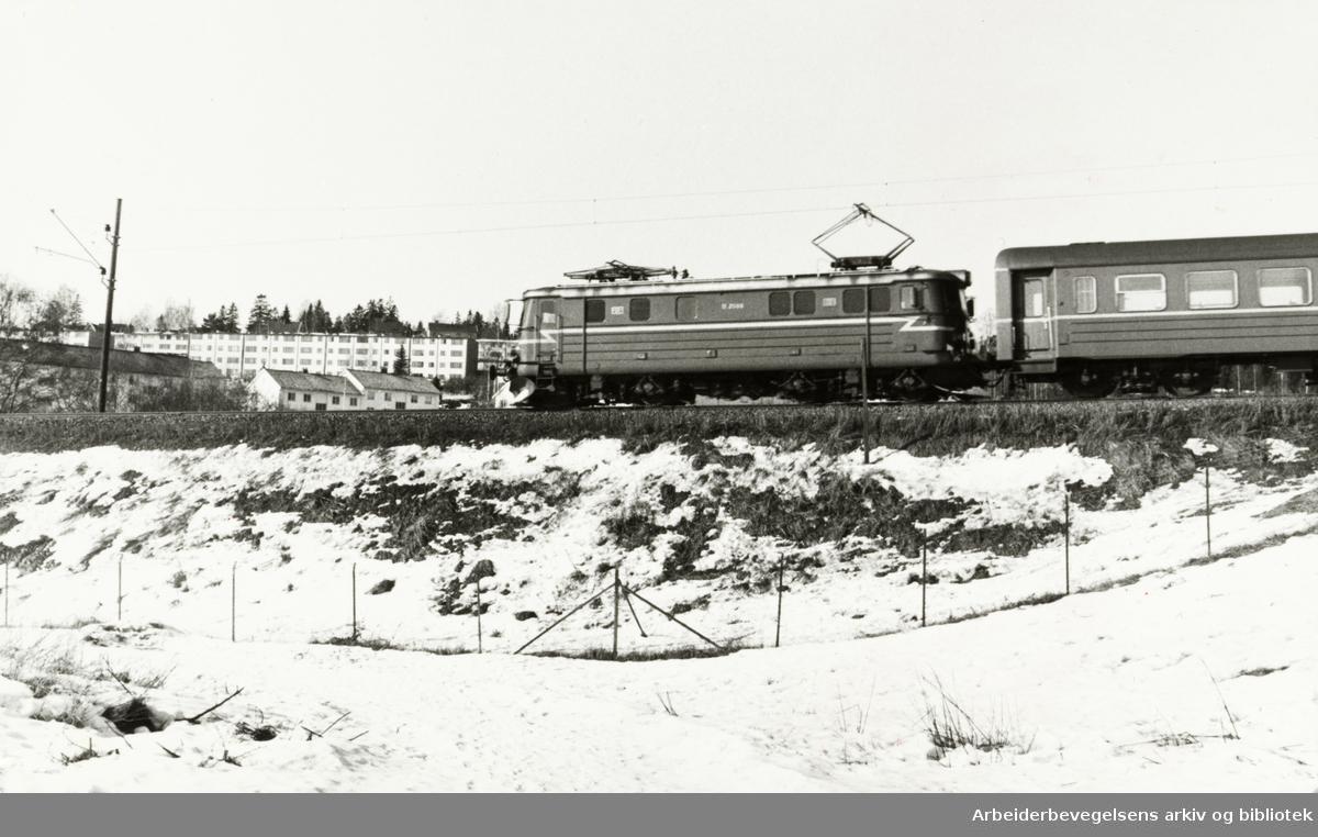 Grefsen. Engebråtjordet. Mars 1979
