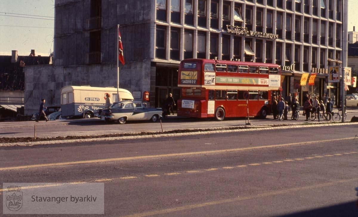 Gatewaybussen ved Romsøegården