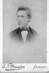 Portrett av Østen Ø. Roe Jorde.