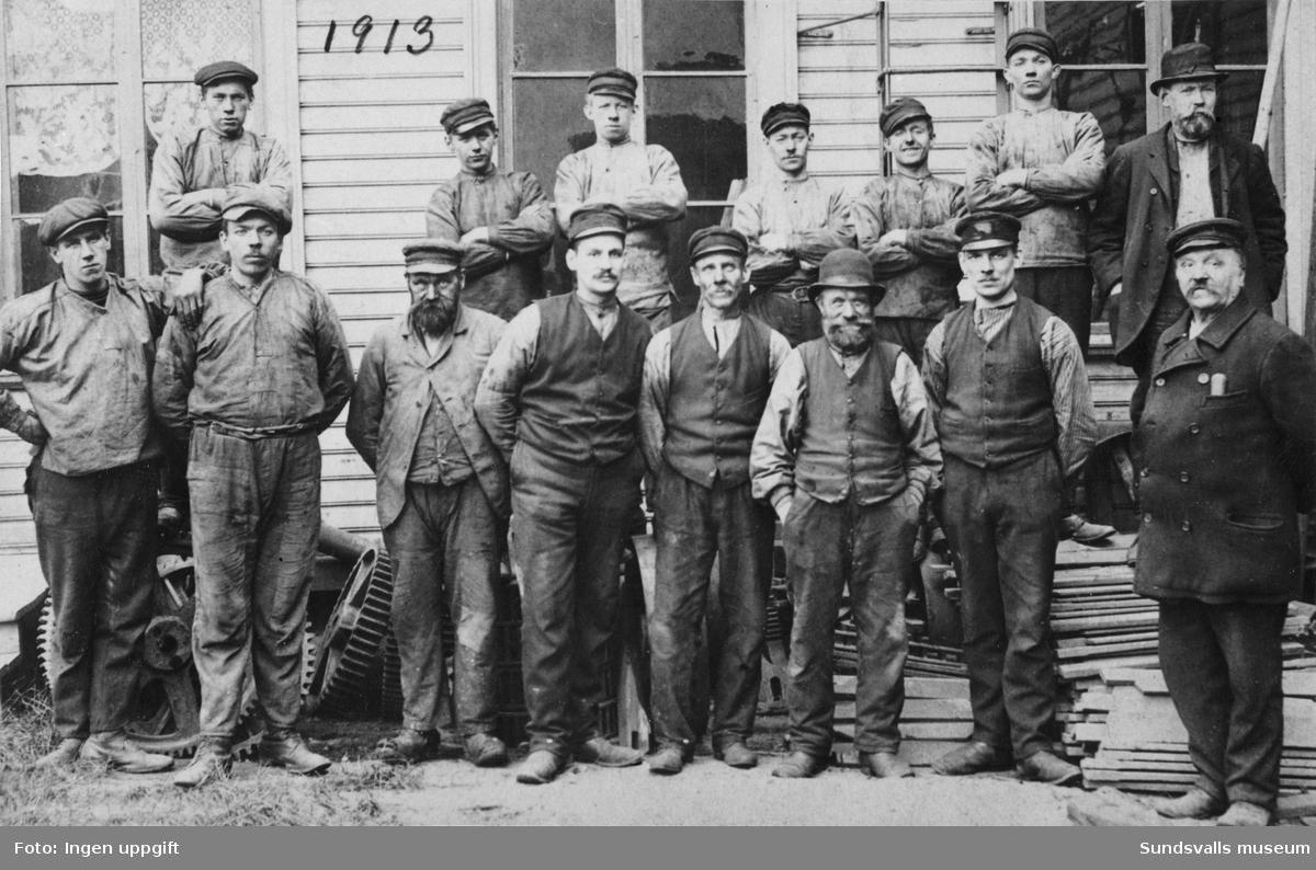 Verkstadsarbetare vid Mohögs Mekaniska Verkstad.