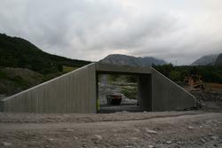 Leirfjord, Leira, Toventunnelen. Nærbildet av kulverten som