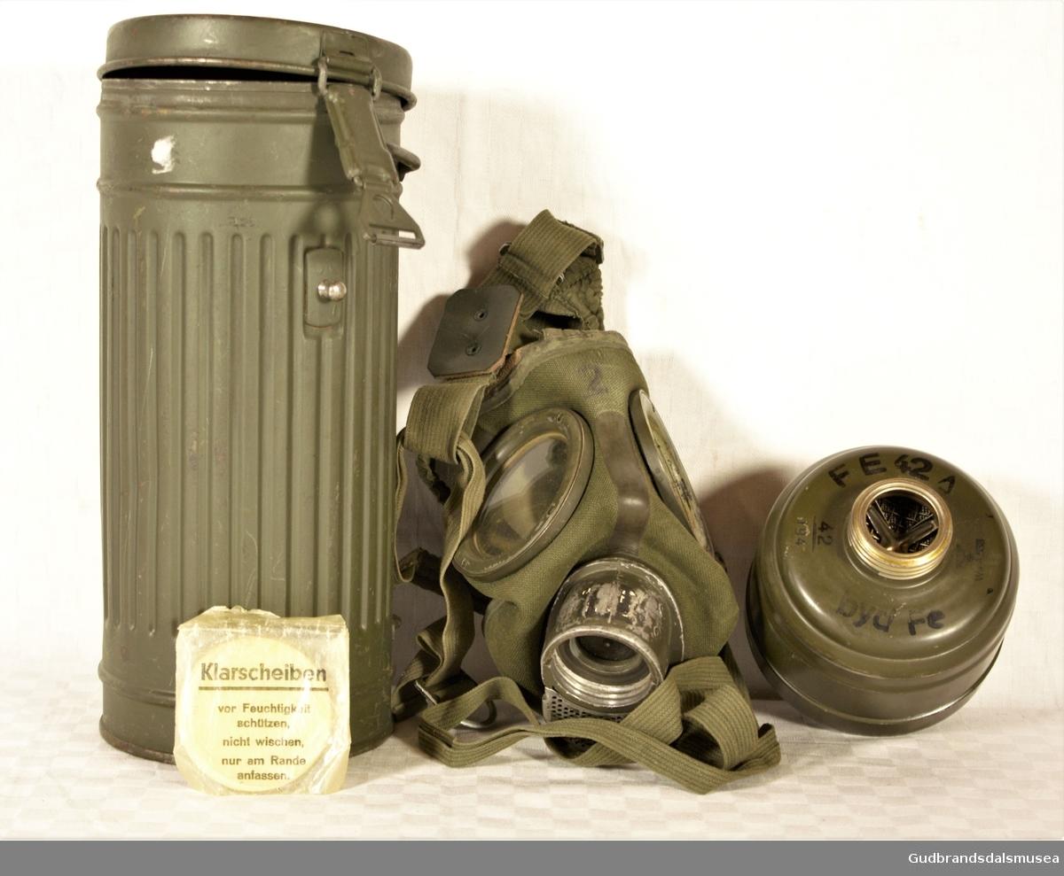Gassmaskebeholder m/innhold