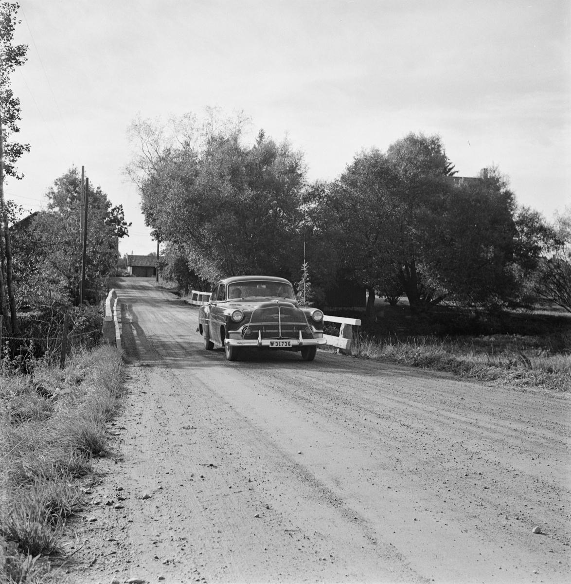 Vägdagen - bil på väg, Uppland 1954