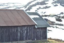Hytte i Hunnedalen, ved Tverråna. Hytta tilhøyrer Jæren Smal