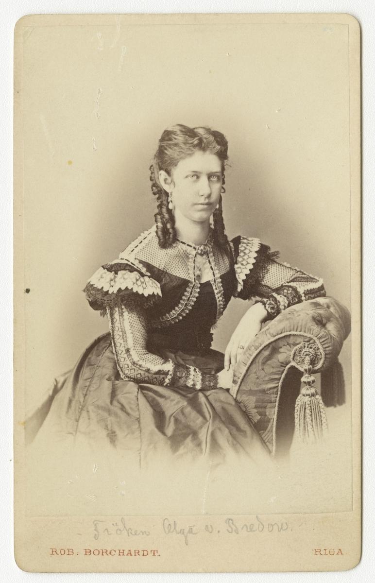 Porträtt av Olga von Bredow.