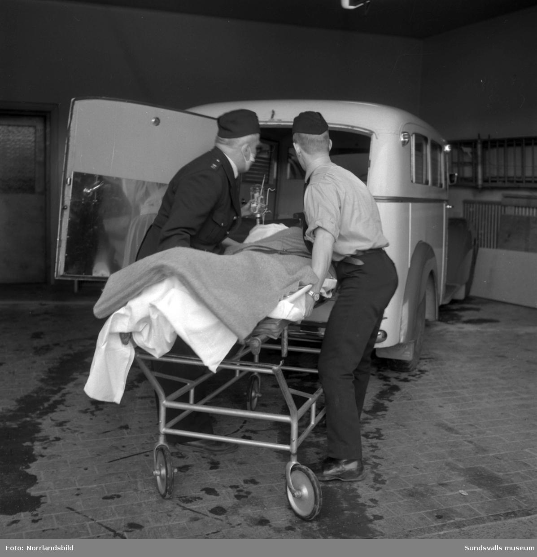 I februari 1963 inträffade en kraftig explosion i källaren på Corona-bageriet vid Landsvägsallén. Nio personer skadades, varav fyra allvarligt, och personalen hade tidigare på dagen känt kraftig gaslukt. Ett 100-tal fönster trycktes ut och på bilderna ses bland annat förödelsen i omklädningsrummen.