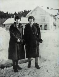 2 damer, Thelma Kleven og Maren Nordseng er klare for tur på