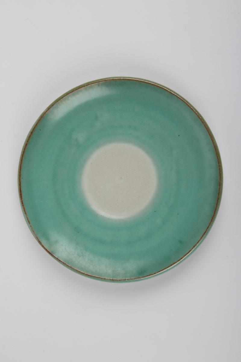 Underskål med grønn dekor.