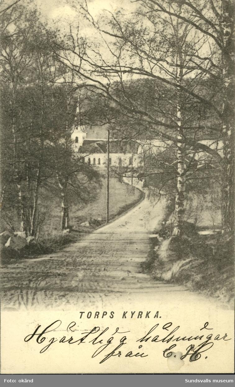 Vykort med motiv över Torps kyrka i Fränsta.