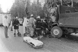 Bilulykke, trafikkulykke, kollisjon,lastebil, personbil, bil