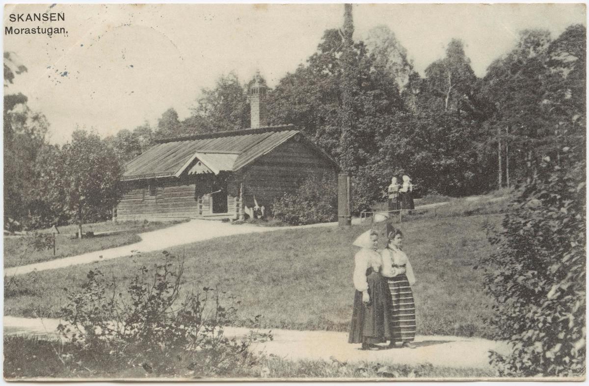 Vykort med motiv från Skansen. Morastugan