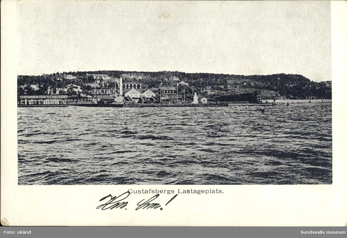 Vykort med motiv över Gustavsbergs lastageplats på Alnö.