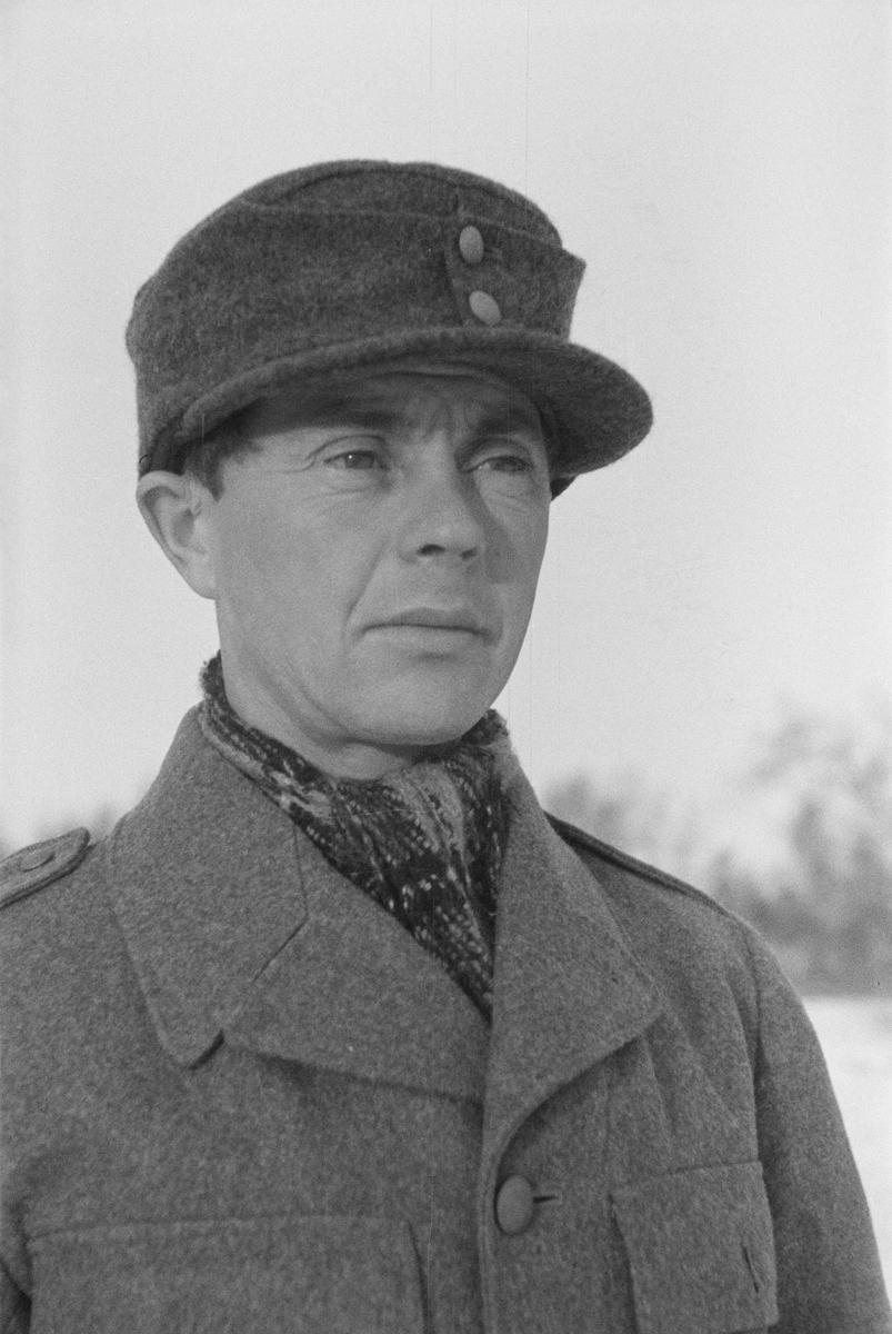 Porträttfoto av Yrjö Kurkela, finsk frivillig under finska vinterkriget. Bild från F 19, Svenska frivilligkåren i Finland, 1940.