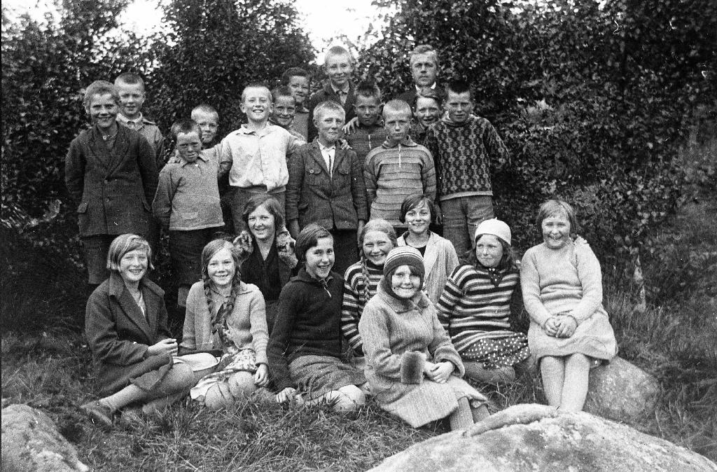 Elevar ved Bryne skule i 1929. Lærarer Ola Barkved.