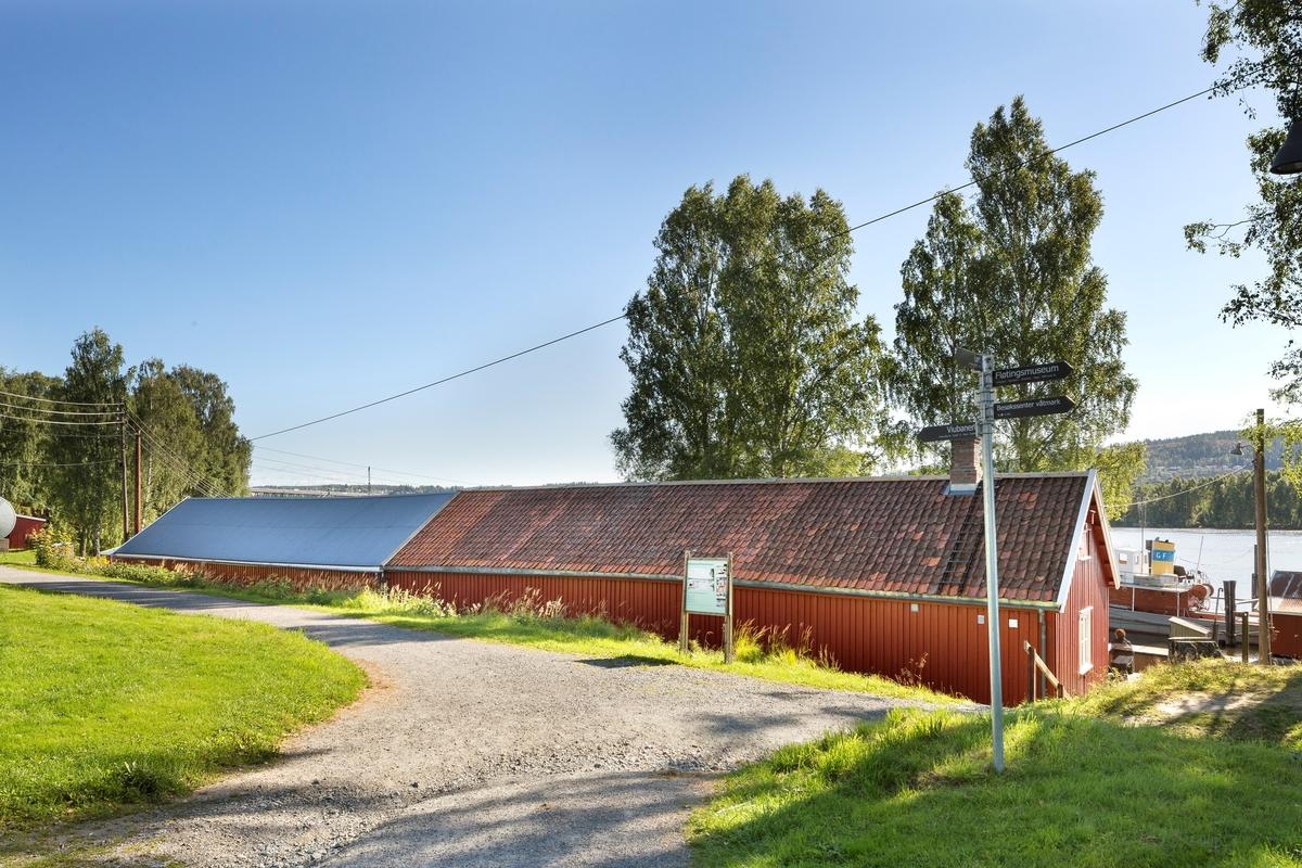 Trådbu, bygd 1948.