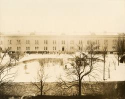 Flaggan nedhalas den 31 mars 1928, Göta ingenjörkår, vid Kar