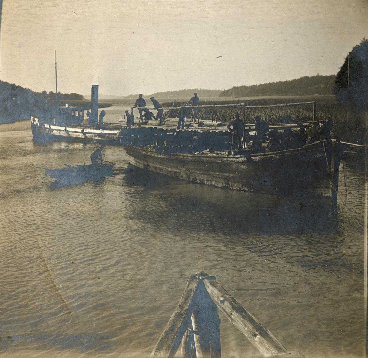 Båtar på sjön, Fortifikationen.