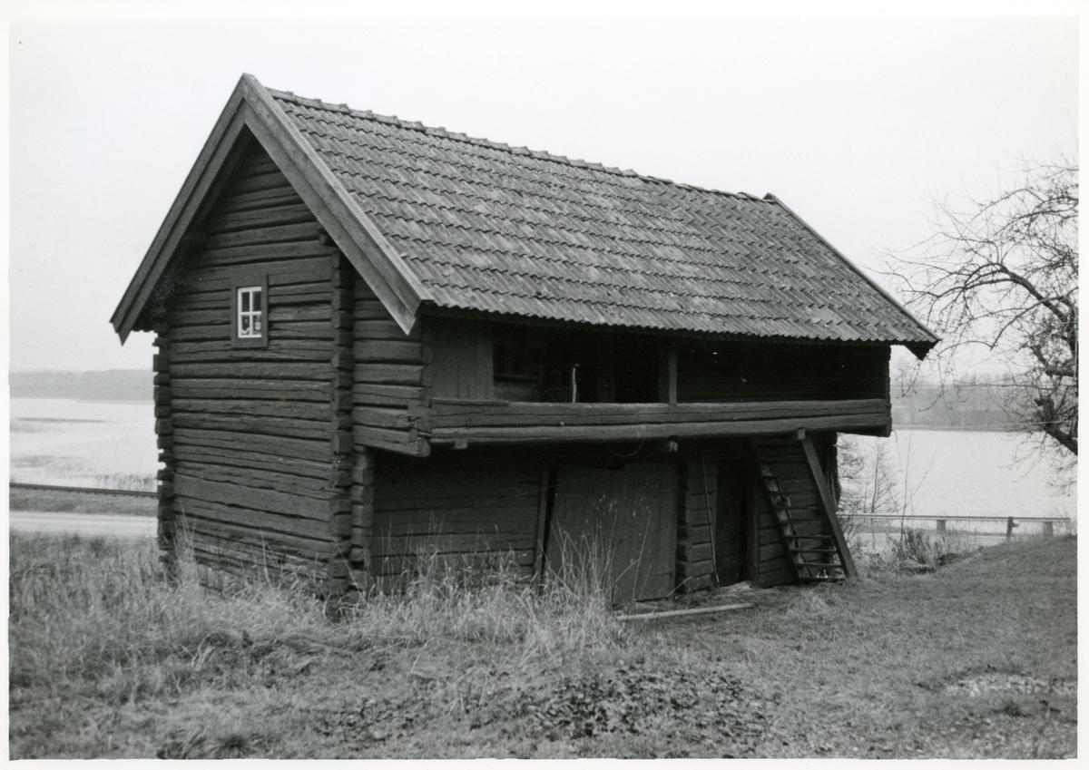 Ramnäs sn, Surahammar.  Muggbo. Loftbod, 1967.