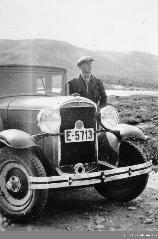 Kolbjørn Aurstad (f. 1910) sjåfør for dokter Kjæstad