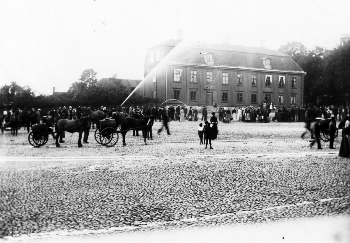 Sprutmönstring på Stora torget Kl. 17.30 oktober 1901.