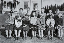 Vestås skole Gruppe elever fra 2. og 3.klasse. 1. rekke f.v.