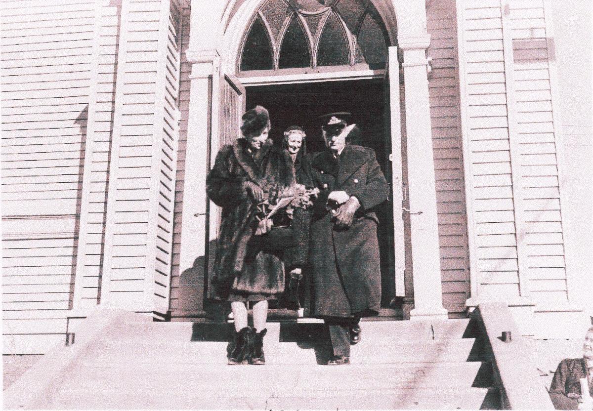 """ Camp Norway"", Lunneburg, Nova Scotia, februar 1942. Kronprinsparet etter gudstjenesten."