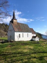 Veøya, Veøy kirke.