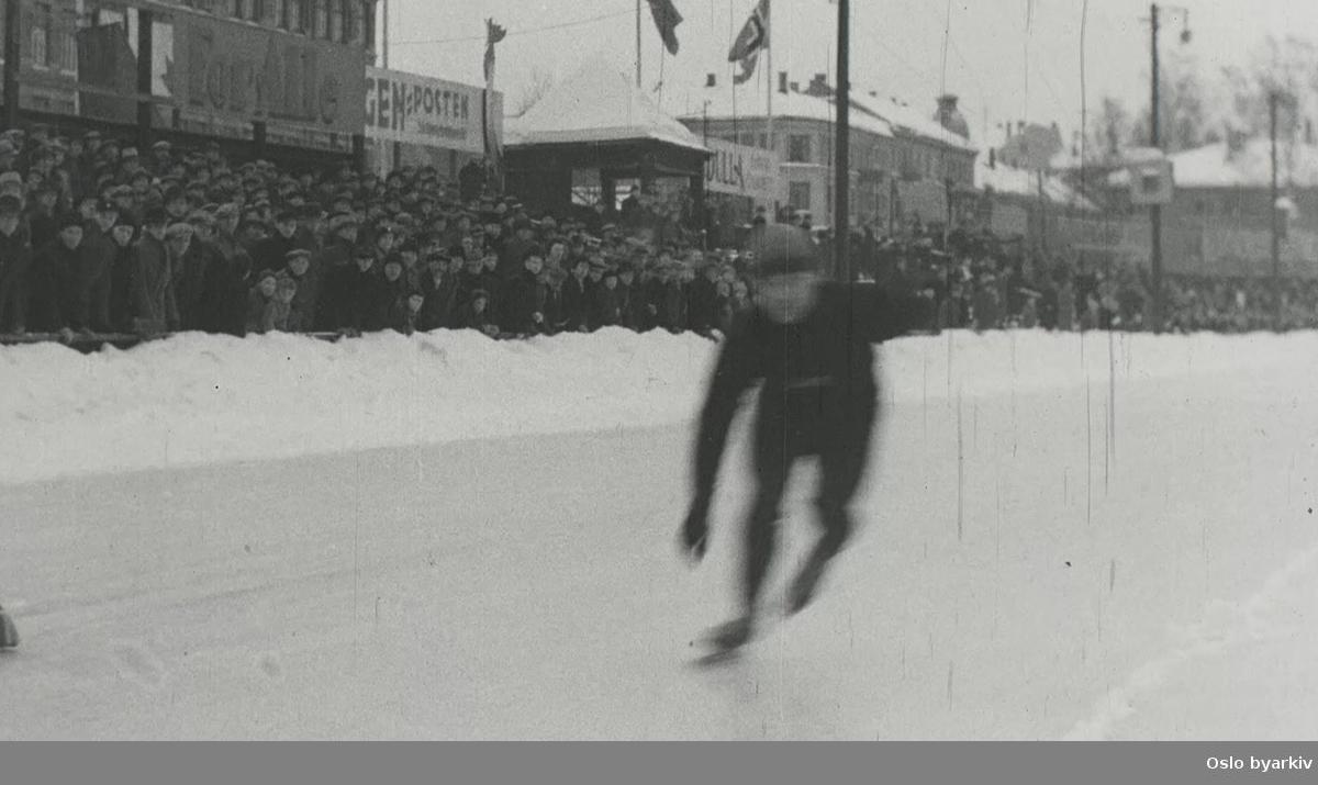 Skøytekamp mellom Norges Skøyteforbund og Arbeidernes idrettsforbund på Frogner stadion 27. februar 1937.