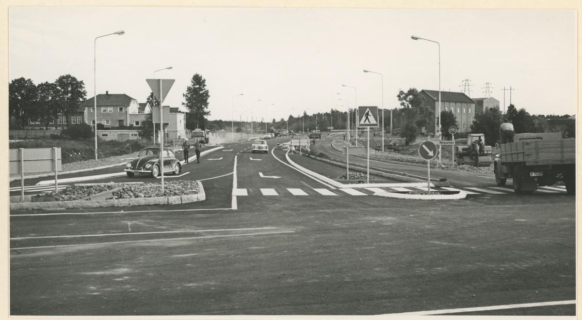 To bilder fra innfartsveien ved Flemminghjørnet.