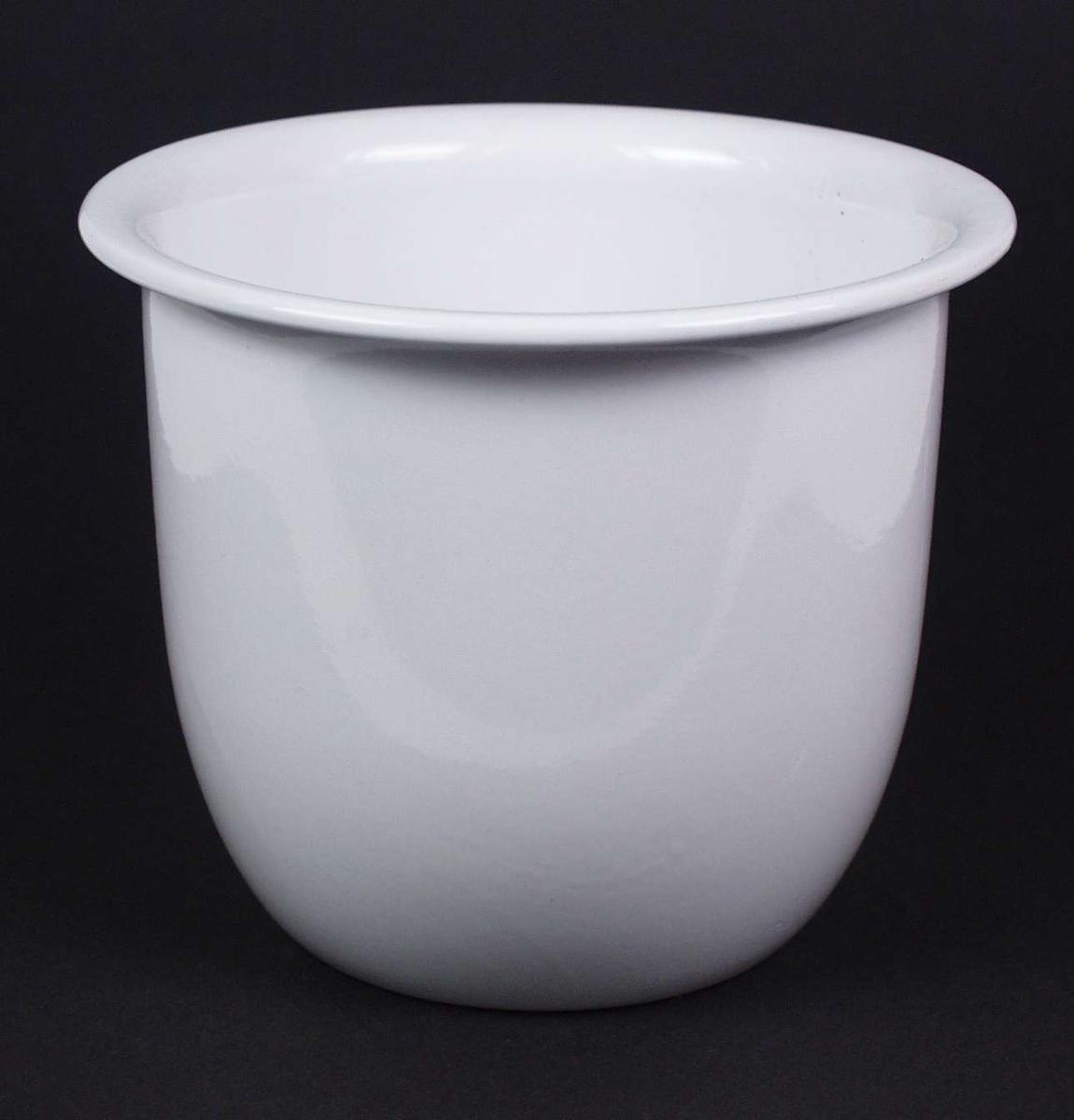 Hvit glasert potteskjuler i keramikk.