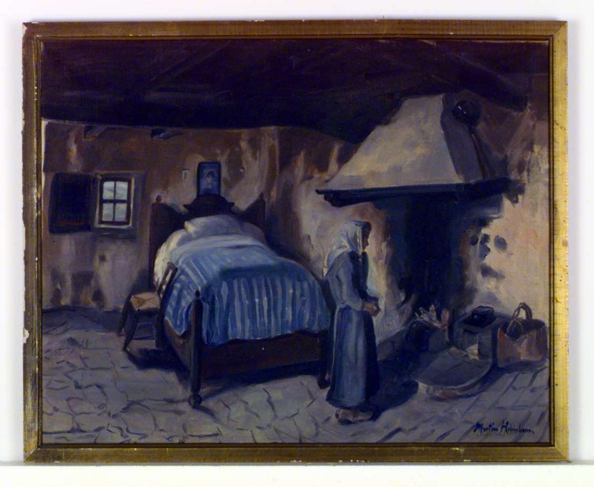 Interiør fra Brisighella, Italia. En seng dominerer rommet; ved siden av sengen står en stol. Til høyre for sengen er det en peis. En kone med skaut på hodet står vendt mot peisen.På venstre side av sengen er det et lite vindu med lemmen på innsiden.