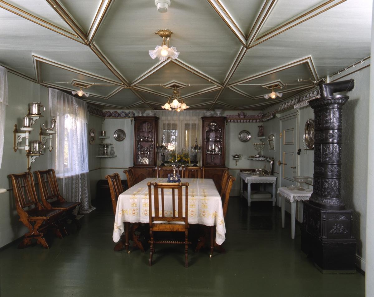 DOK:1991, Aulestad, interiør, spisestue, bord, ovn, stol,