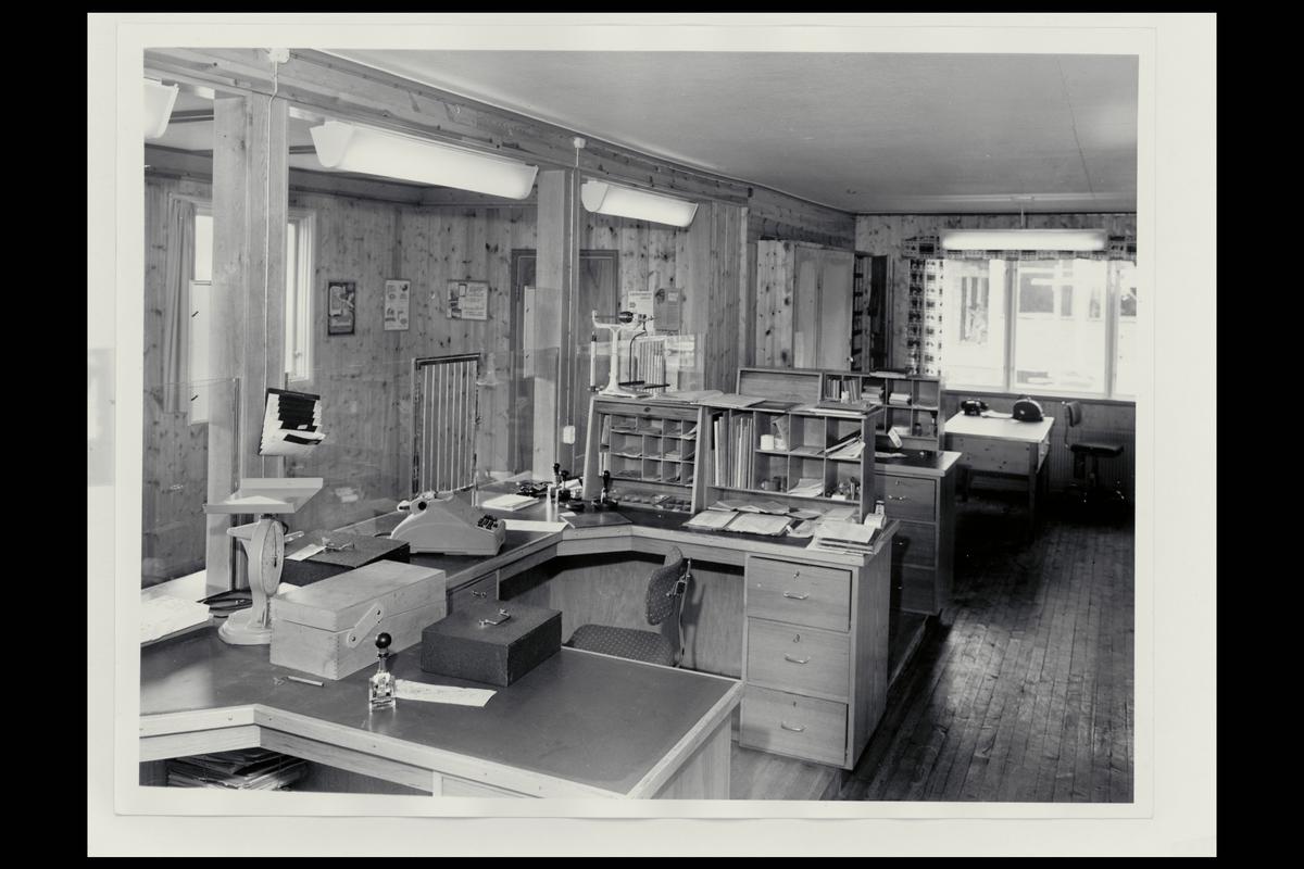 interiør, postkontor, 7340 Oppdal, ekspedisjon, vekt, regnemaskin