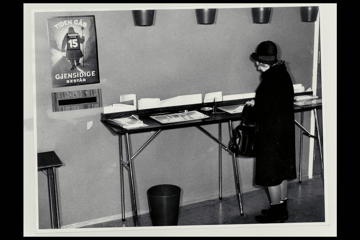 interiør, postkontor, 0601 Etterstad, publikumshall, kunde