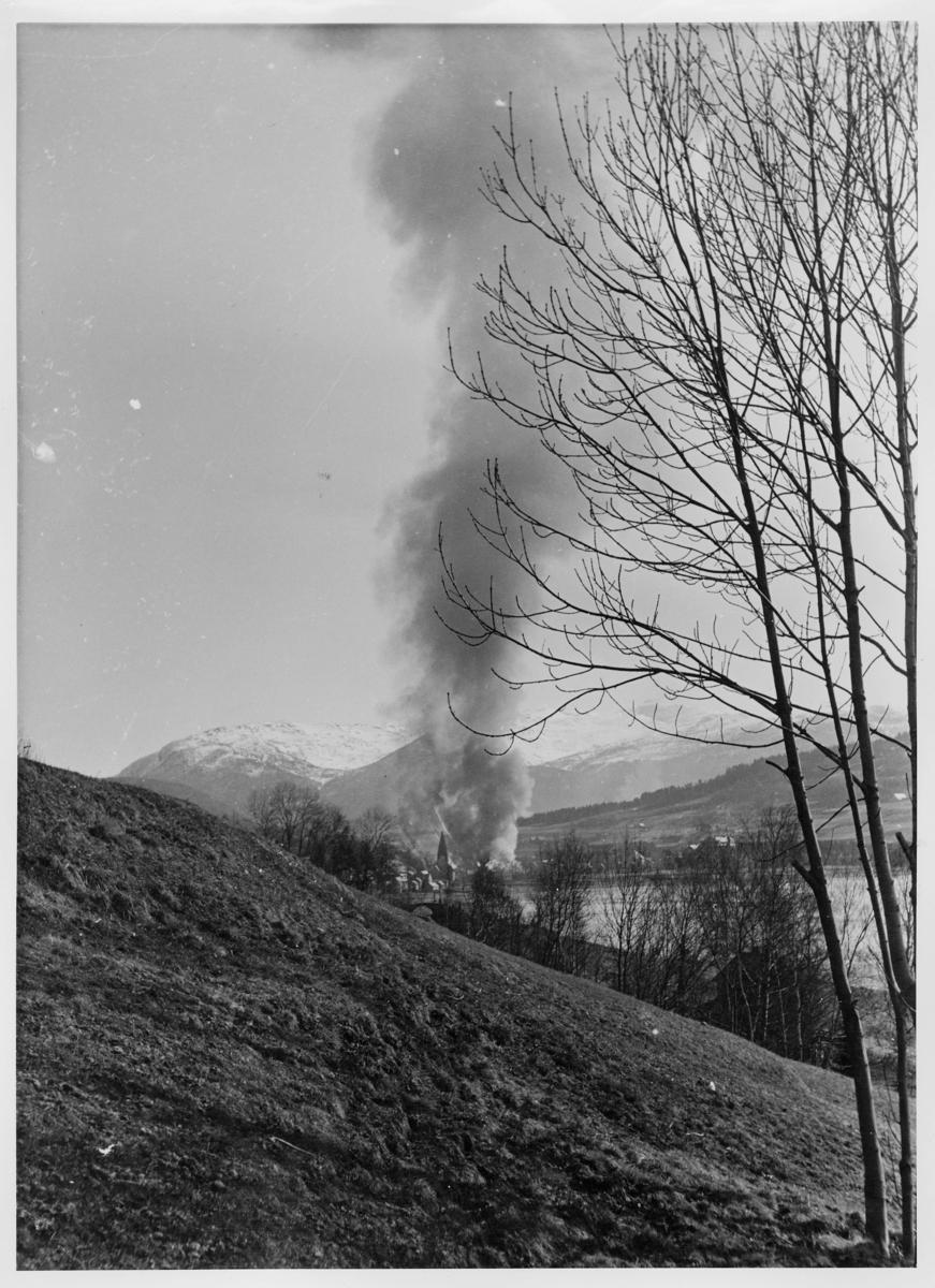 krigen, Voss, brann