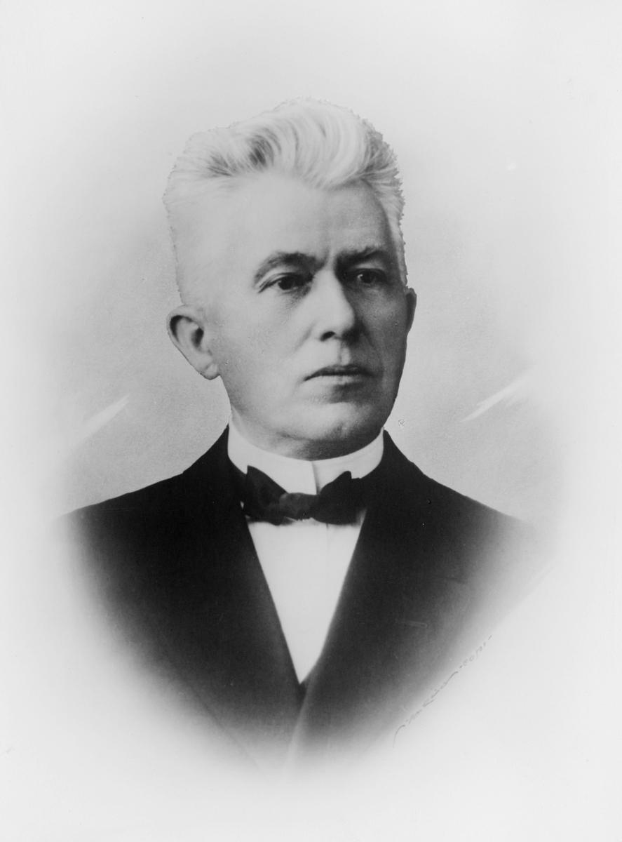 portrett, postmester, Adolf Lervik