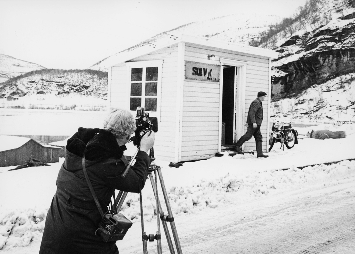 norgesbilder, 8230 Sulitjelma, to menn, fotograf