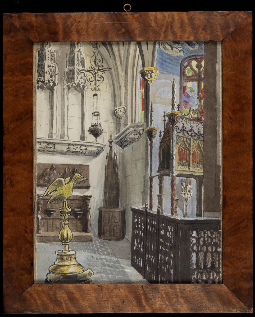 Detalj av kirkeinteriør, hj. m. kvadervegger, gotisk ornament, i forgr. due på sokkel, gul, tilv. gitter m. helgenskrin, glassmaleri bak