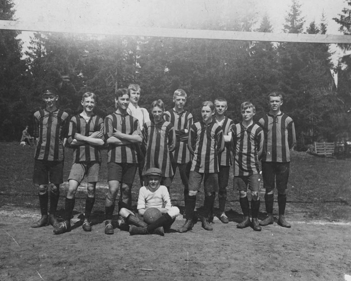 Merkantil-Trygg's fotballag.