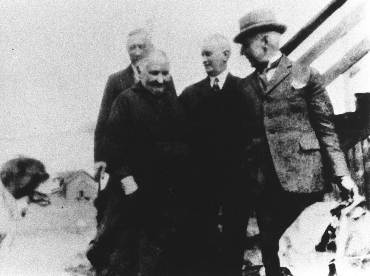 Søndre Oppegård, Roald Amundsen, Ellsworth m.flere