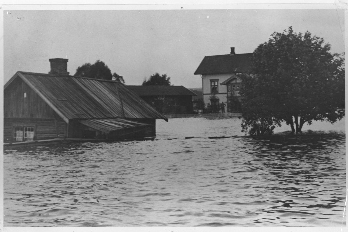 Elvegata under flommen 1910.
