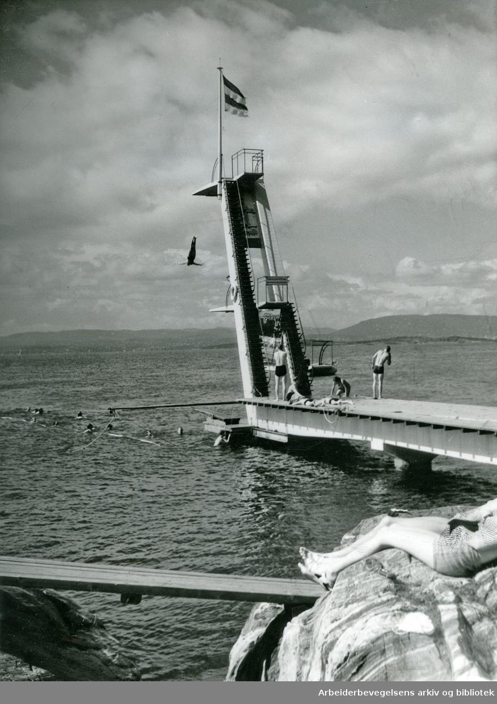 Stupetårnet på Ingierstrand bad,.1950-tallet