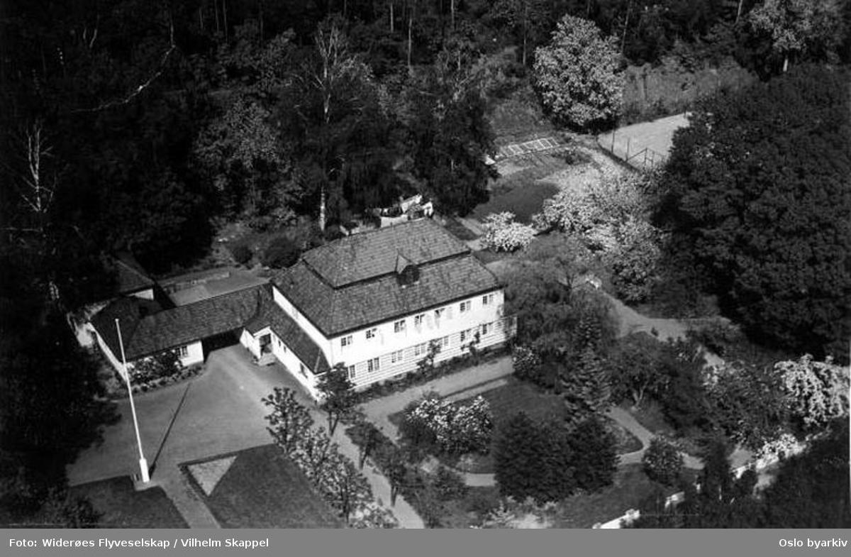 Villa (Flyfoto)