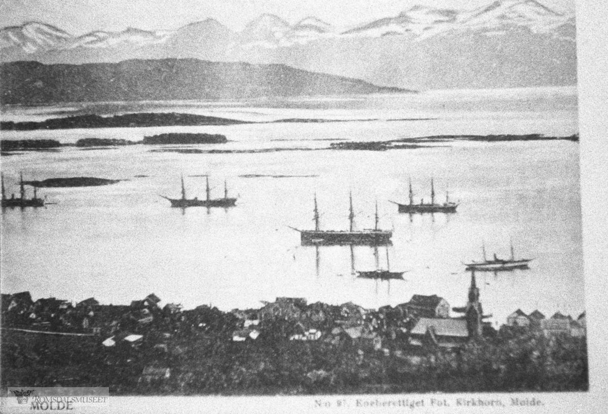 Molde i panorama sett fra Nord, Molde med skip på fjoden
