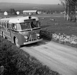 Buss fra Hamar og Omland Bilruter. Volvo type B 725. Med reg