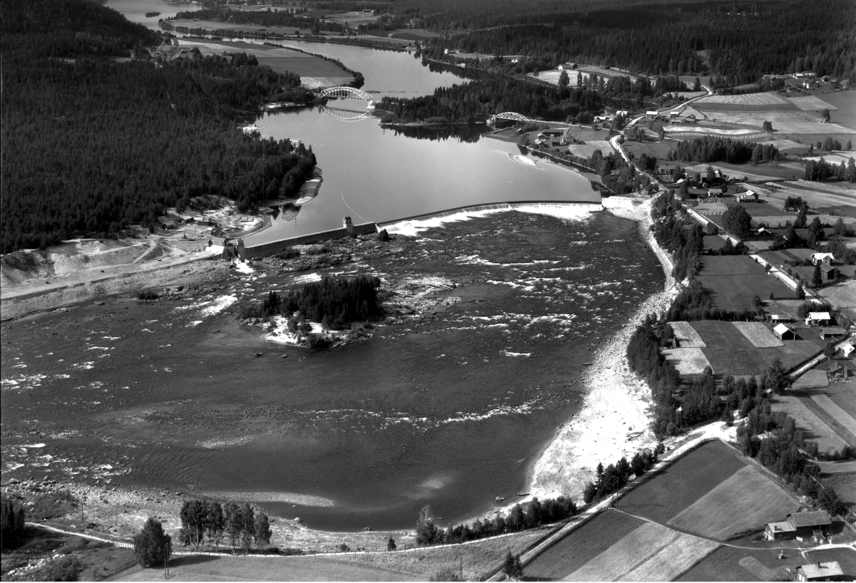 Skjefstadfossen kraftstasjon fra 1935