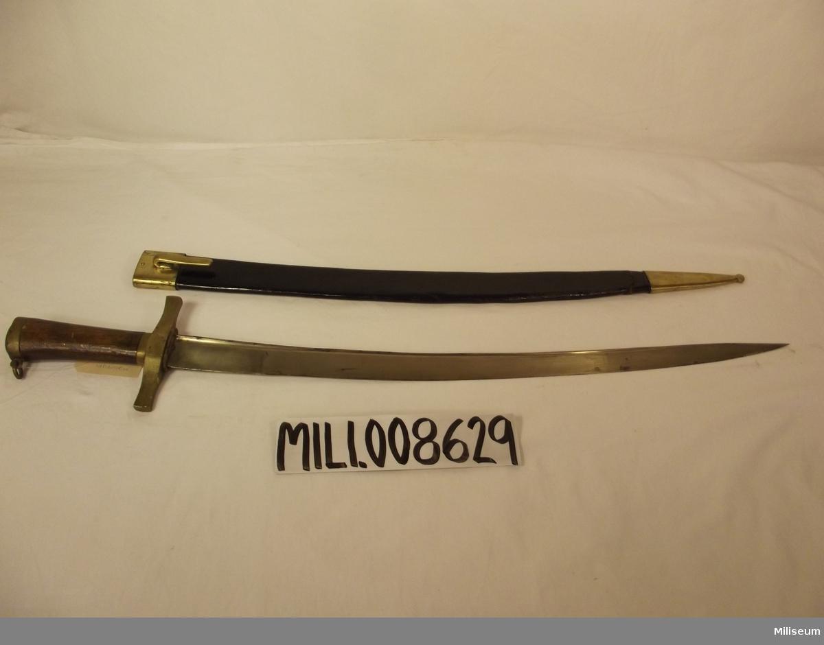 Huggare m/1856 för infanteriet med tillhörande balja.